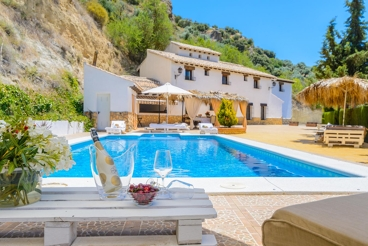 Huge villa ideal for groups in Montefrío
