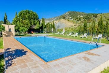 Pretty villa north of Sierra Nevada