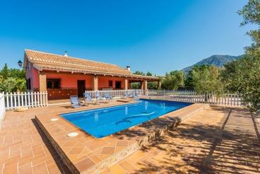Leuk vakantiehuis met groot zwembad - perfect voor groepen