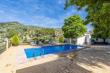 Fantastic holiday villa with leisure area near Montefrío