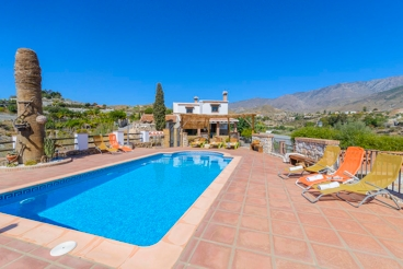 Splendid holiday villa for nine people on the Costa Tropical