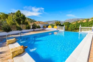 Droomachtig, rustiek vakantiehuis met groot zwembad