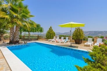 Pretty villa overlooking the surrounding olive yards and biomass heating system