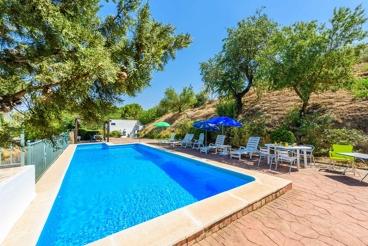 Acogedora casa con piscina privada cerca de Granada