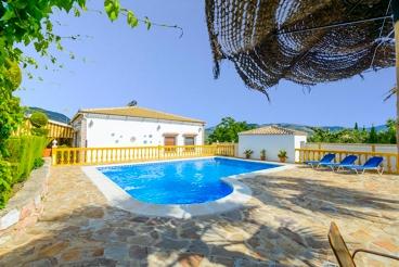 Estupenda casa de campo con piscina para familias